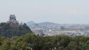犬山城を臨む