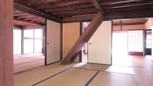 IMG_1694屋根裏部屋への階段