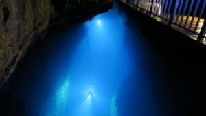 水深38メートル第二地底湖